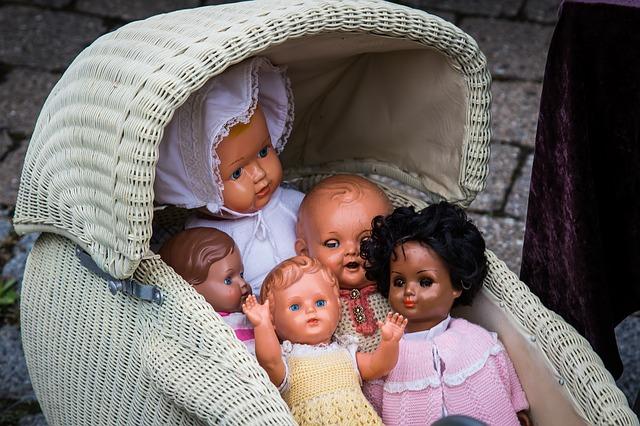kočárek pro panenky
